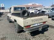 Used damaged runner Toyota Land Cruiser for sale in Botswana - 4