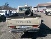 Used damaged runner Toyota Land Cruiser for sale in Botswana - 5
