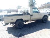 Used damaged runner Toyota Land Cruiser for sale in Botswana - 8