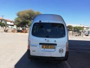 Used Nissan Caravan for sale in Botswana - 7