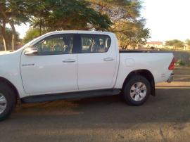 Used Toyota Hilux 7 for sale in Botswana - 2