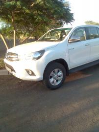 Used Toyota Hilux 7 for sale in Botswana - 3
