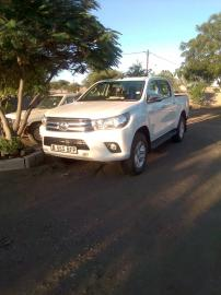Used Toyota Hilux 7 for sale in Botswana - 5