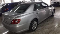 Used Toyota Mark X for sale in Botswana - 10