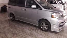 Used Toyota Noah for sale in Botswana - 5