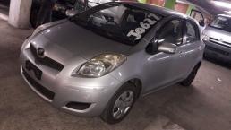 Used Toyota Vitz for sale in Botswana - 4
