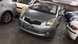 Used Toyota Vitz for sale in Botswana - 3