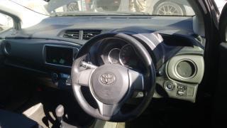Used Toyota Vitz for sale in Botswana - 5