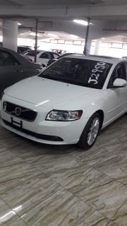 Volvo S40 for sale in Botswana - 2