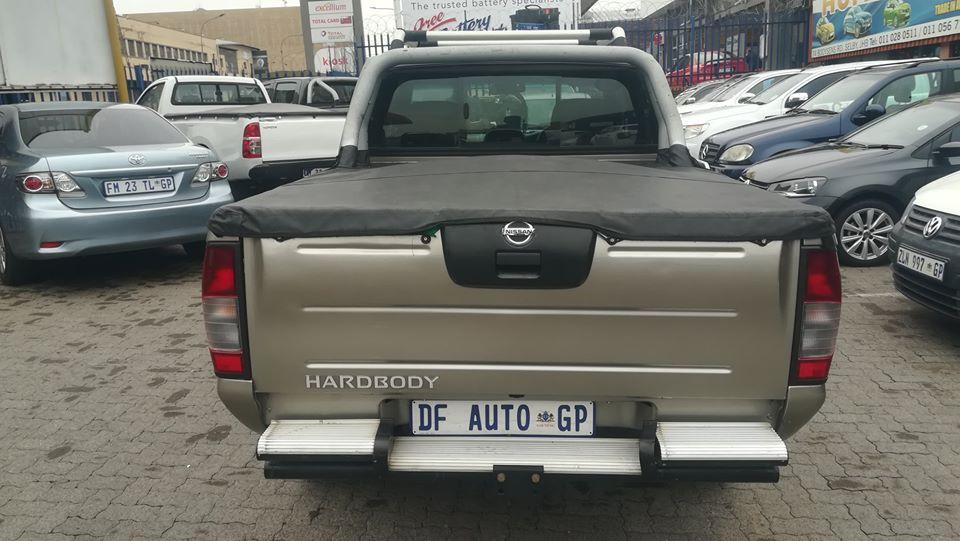 Used Nissan NP300 in South Africa