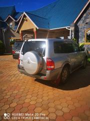 Used Mitsubishi Pajero for sale in Zambia - 3
