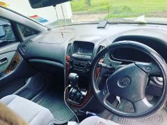 Used Toyota Harrier for sale in Zambia - 4