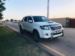 Used Toyota Hilux for sale in Zambia - 1
