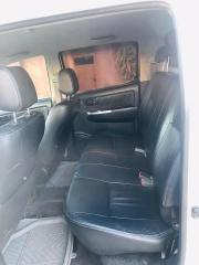 Used Toyota Hilux for sale in Zambia - 8