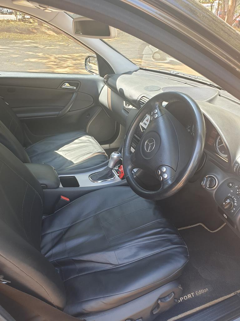 Used Mercedes-Benz C180 in Zimbabwe