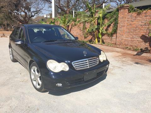 Used Mercedes-Benz C180 in Zimbabwe