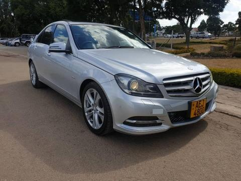 Used Mercedes-Benz C240 in Zimbabwe