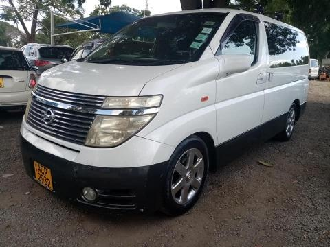 Used Nissan Elgrand in Zimbabwe
