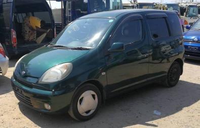 Used Toyota FunCargo in Zimbabwe