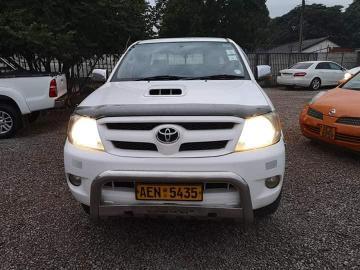 Used Toyota Hilux in Zimbabwe