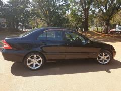 Used Mercedes-Benz C180 for sale in Zimbabwe - 2