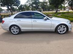 Used Mercedes-Benz C240 for sale in Zimbabwe - 3